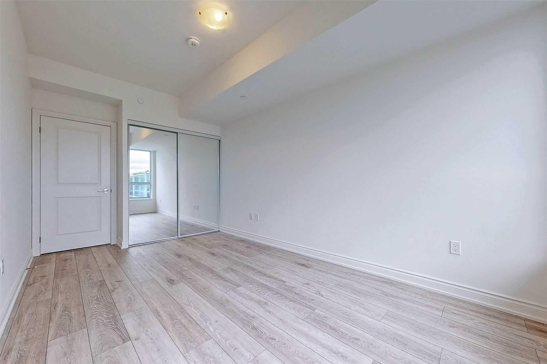 221 - 1050 Main St E - Dempsey Condo Apt for sale, 3 Bedrooms (W5398557) - #23