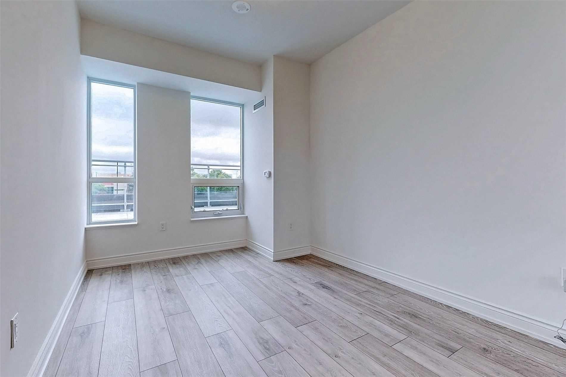 221 - 1050 Main St E - Dempsey Condo Apt for sale, 3 Bedrooms (W5398557) - #24