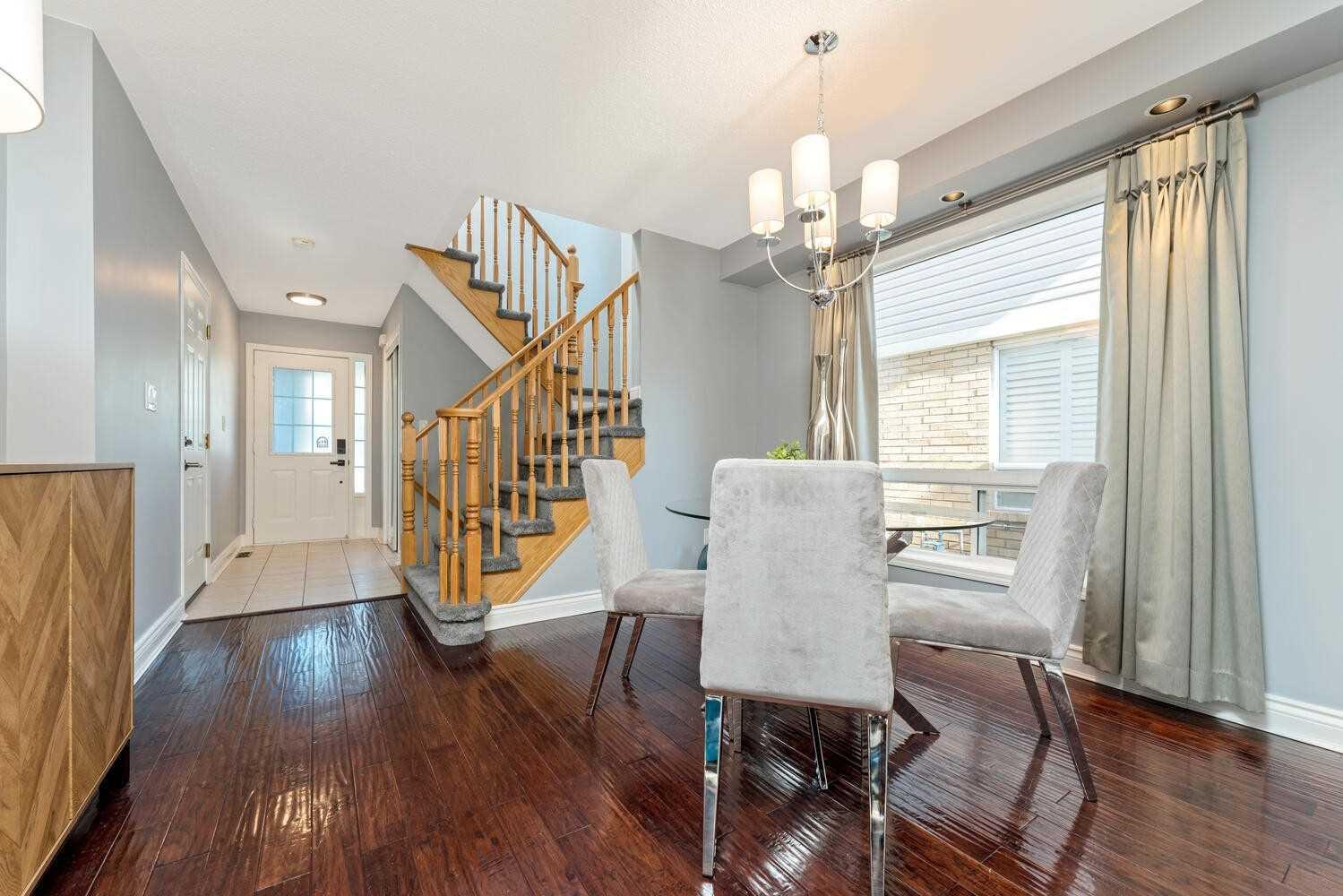 1030 Barclay Circ - Beaty Att/Row/Twnhouse for sale, 3 Bedrooms (W5400435) - #4