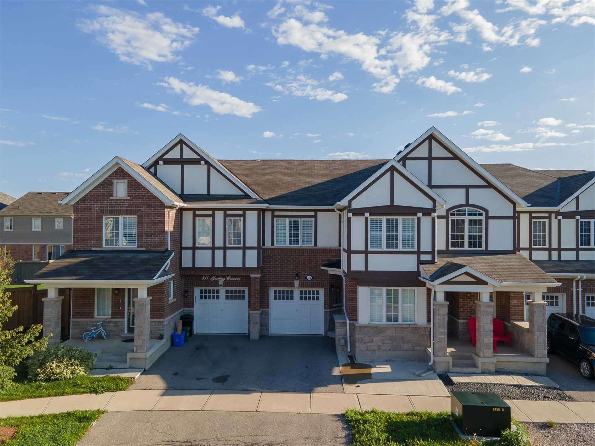 313 Gooding Cres - Ford Att/Row/Twnhouse for sale, 4 Bedrooms (W5401006) - #1
