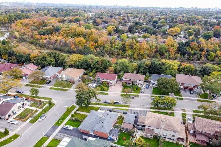 47 Lakeland Dr - Thistletown-Beaumonde Heights Semi-Detached for sale, 4 Bedrooms (W5411945)
