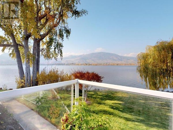 2412 LAKESHORE DRIVE - Osoyoos House for sale, 3 Bedrooms (178905)