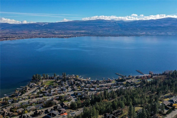 692 Lake Court, - West Kelowna No Building for sale(10195127)