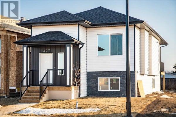 327 McArthur CRES - Saskatoon House for sale, 5 Bedrooms (SK792831)