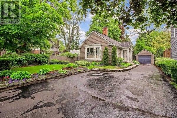 351 ALLAN ST - Oakville House for sale, 3 Bedrooms (W4667755)