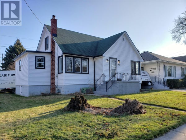 98 MCFADDEN AVENUE - Chatham House for sale, 3 Bedrooms (20000562)