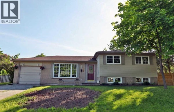 490 STANFIELD DR - Oakville House for sale, 4 Bedrooms (W4672529)