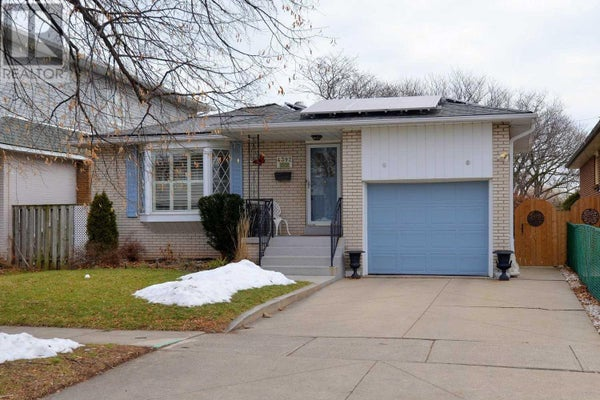 4392 BENNETT RD - Burlington House for sale, 4 Bedrooms (W4680296)