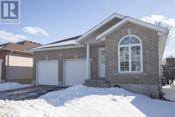 447 Laura AVE - Kingston House for sale, 4 Bedrooms (K20000945)