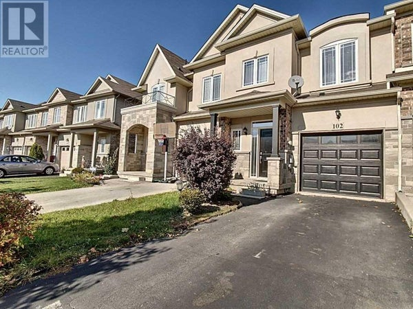 102 HIGHGATE DR - Hamilton Row / Townhouse for sale, 3 Bedrooms (X4700620)