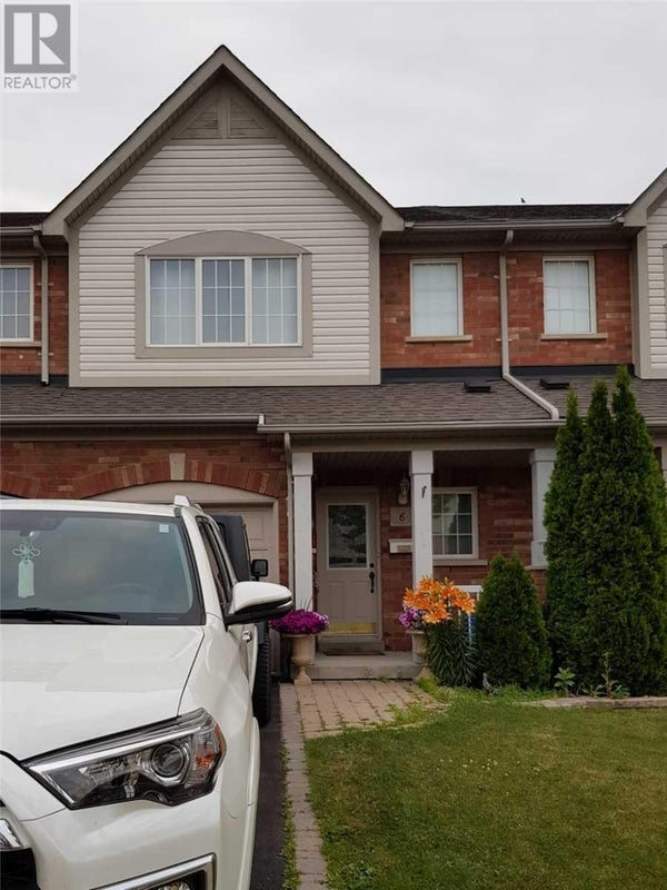 6 PLANTATION CRT - Whitby Row / Townhouse for sale, 3 Bedrooms (E4701028)