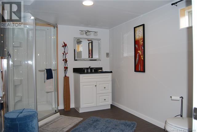 2402 210 Street - Bellevue House for sale, 3 Bedrooms (ld0190908) - #39