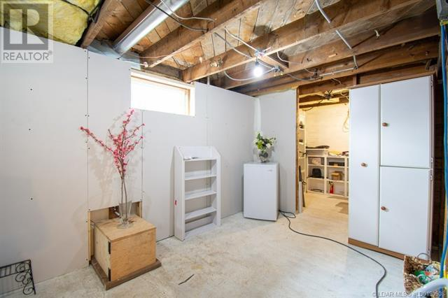 2402 210 Street - Bellevue House for sale, 3 Bedrooms (ld0190908) - #40