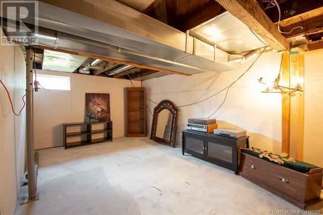 2402 210 Street - Bellevue House for sale, 3 Bedrooms (ld0190908) - #42