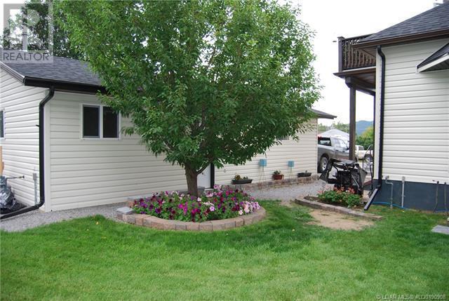 2402 210 Street - Bellevue House for sale, 3 Bedrooms (ld0190908) - #45