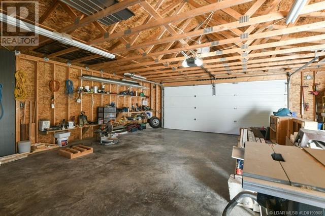 2402 210 Street - Bellevue House for sale, 3 Bedrooms (ld0190908) - #46
