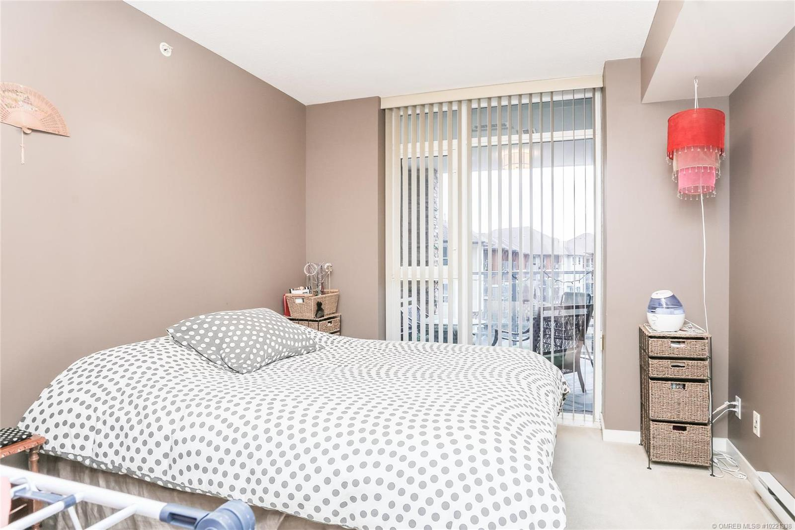 #404 1075 Sunset Drive, - Kelowna Apartment for sale, 1 Bedroom (10221338) - #10