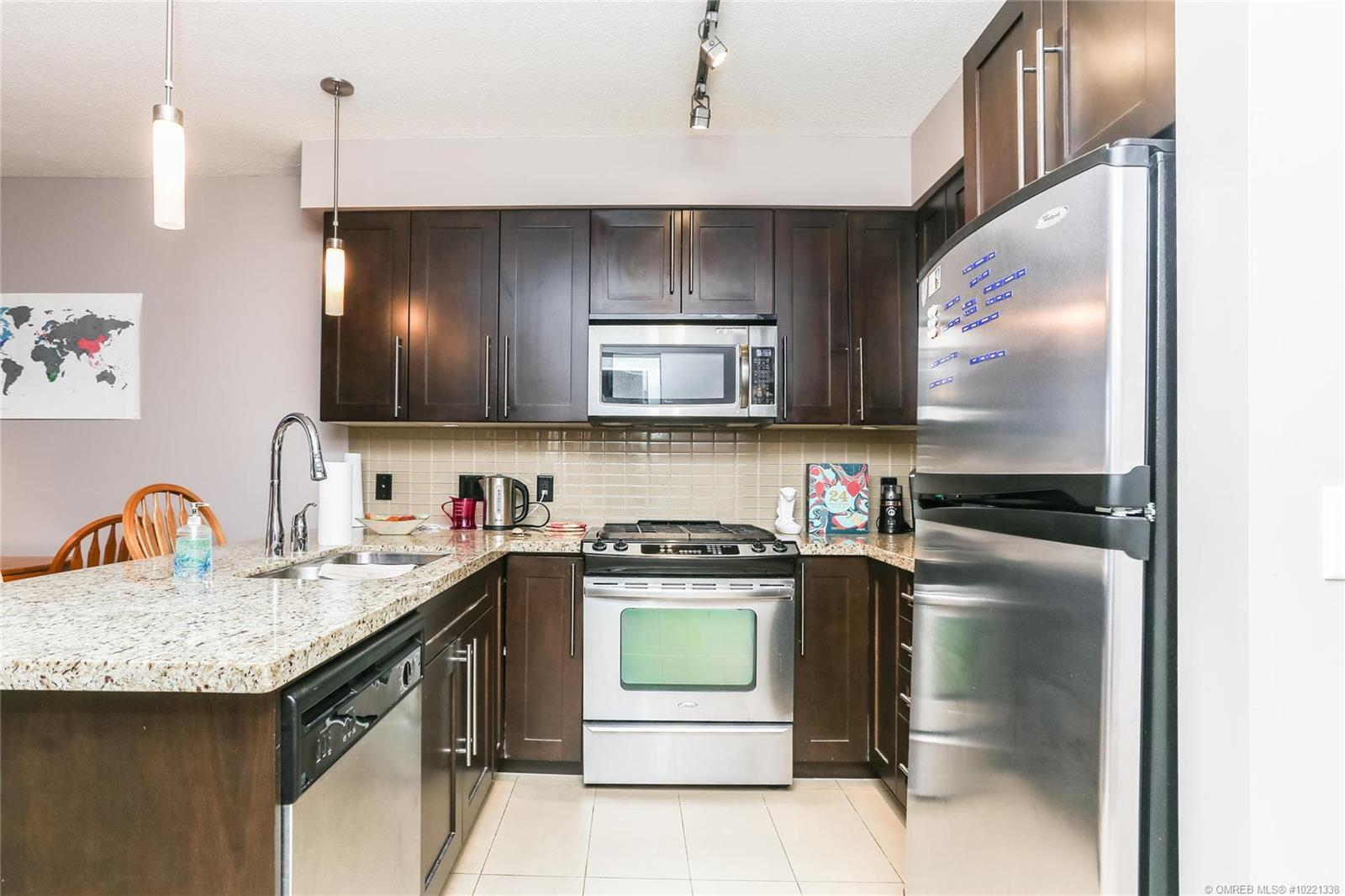 #404 1075 Sunset Drive, - Kelowna Apartment for sale, 1 Bedroom (10221338) - #4