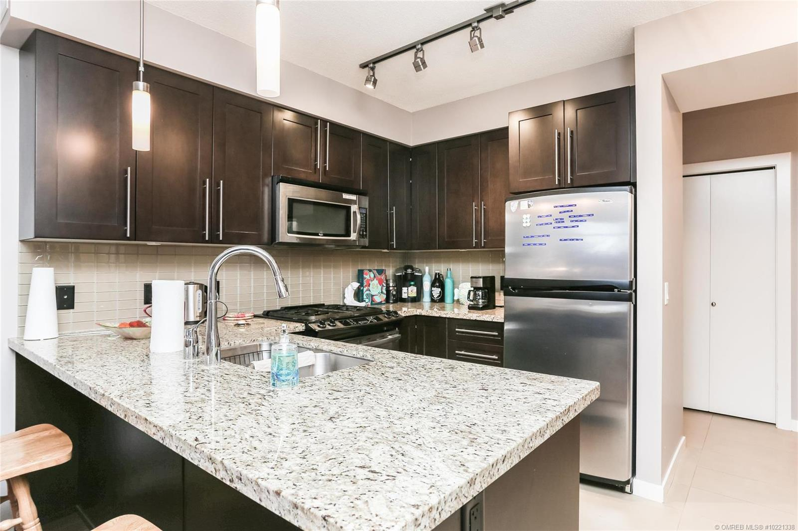 #404 1075 Sunset Drive, - Kelowna Apartment for sale, 1 Bedroom (10221338) - #5